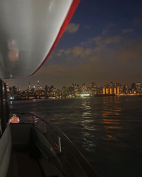 new_york_city_boat_cruise_from_new_rochelle.jpg