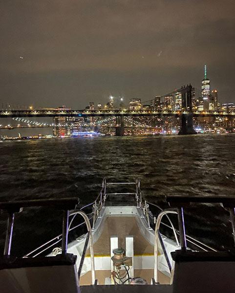 nyc_boat_cruise_east_river.jpg