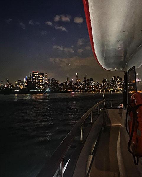 nyc_skyline_boat_cruise.jpg