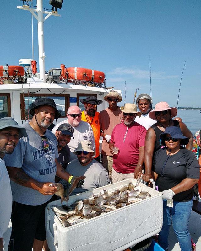 family_fishing_boat_trips_new_york_city.jpg